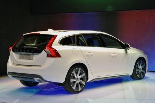 Volvo V60 Plug-In Hybrid 2011(вид сзади)