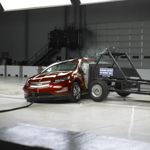 Chevrolet Volt 2011 (боковой краш-тест)