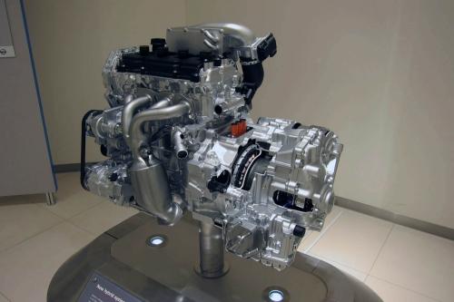 Новый гибридный турбированный двигатель Ниссан (Nissan Altima)