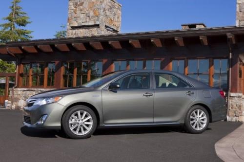 (Тойота Камри Гибрид 2013 год) Toyota Camry Hybrid LE hybrid 2013